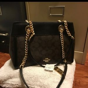 Coach shoulder bags medium size